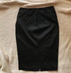 Чeрная юбка карандаш guess