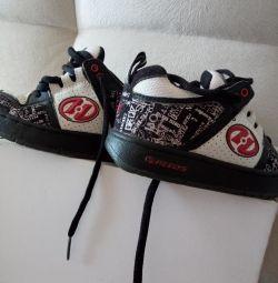 Makaralı spor ayakkabı s.35 ve 31