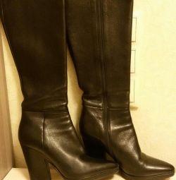 Prada boots 36 size