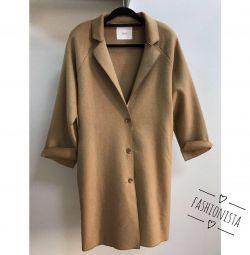 Пальто в стиле casual новое