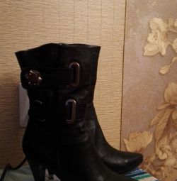 Half boots, leather