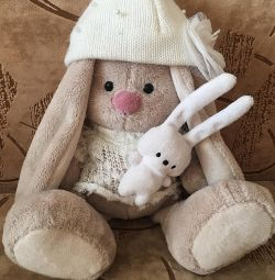 Bunny Mi σε ένα πουλόβερ (18εκ)