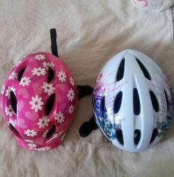 Шлем велосипедный или для роликов