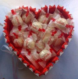 Inima de cutie cu dulciuri cadou Kinder