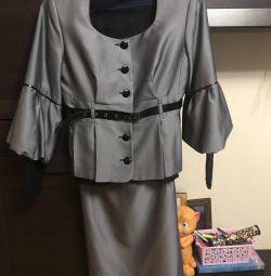 Γυναικείο κοστούμι τριών τεμαχίων 46-48