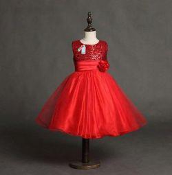 Новое праздничное платье с пайетками
