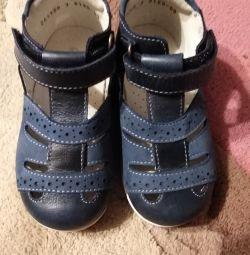 Новые сандалии Шаговита