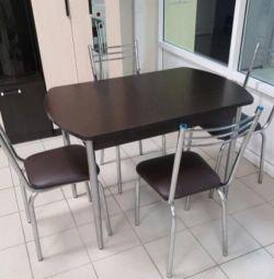 Sandalye ile masa