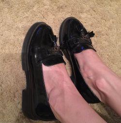 Loferii de pantofi de balet pentru Labutena
