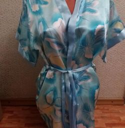 Атласный голубой халат