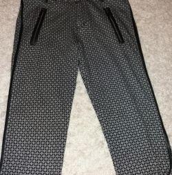 Pantaloni jambari
