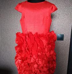 Rochie roșie pentru fată 134-140