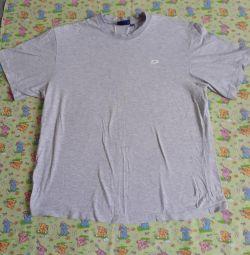 Tricouri pentru bărbați și femei