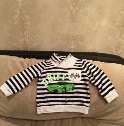 Bir çocuk için yeni kazak