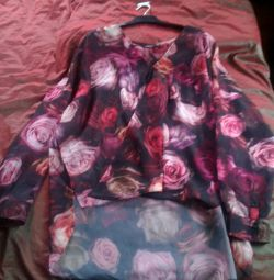 Нова блуза р.48-52