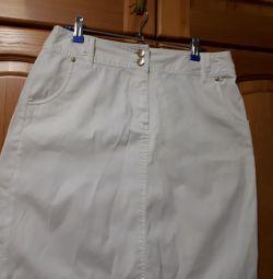 Белая джинсовая юбка. р.46