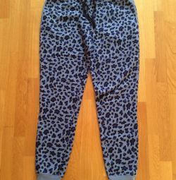 Sports trousers. Size S / M