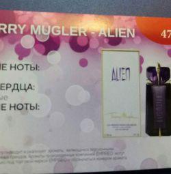 Тьєррі Мюгле / Алиен, бренд емпірією