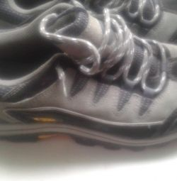 Sneakers 42 size