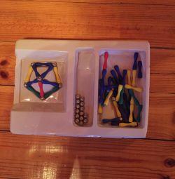 Lego pe magneți
