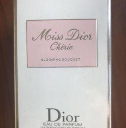 Parfumul Mis Dior Sheri, Blooming Bouke, 100