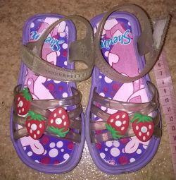 сандали сланцы