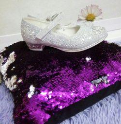 Παπούτσια με βότσαλα 29