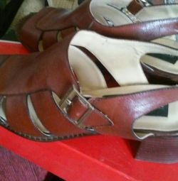 Sandals on a small heel