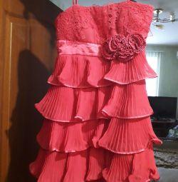 Шикарное выходное платье 38р-р