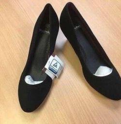 Чудесные туфли, новые, Германия, АКЦИЯ, несколько размеров, на узкую ногу