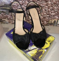 I will sell women's sandals