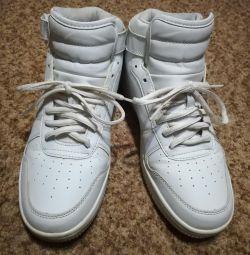 Sneakers 40 rr.