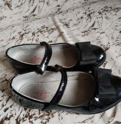 Pantofi p. 35