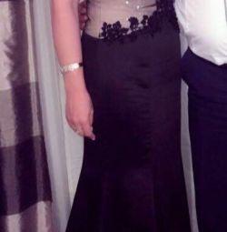 Κομψό βραδινό φόρεμα