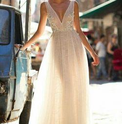 Γαμήλιο φόρεμα με το στυλ του boho Berta Bridal Bailey
