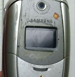 Телефон SAMSUNG SGH-E 300