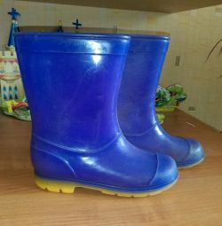 Rubber boots, purple