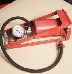 car manual pump