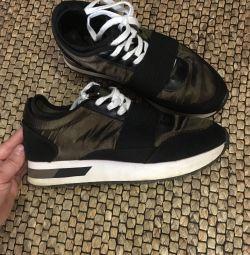 Spor ayakkabılar bershka