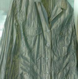 Пиджак очень хороший.ветровка.