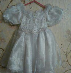 Φανταχτερά φορέματα