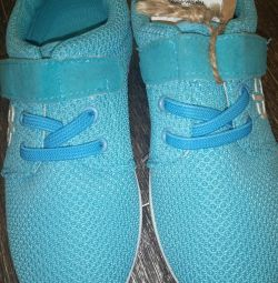 NEW sneakers 30 size
