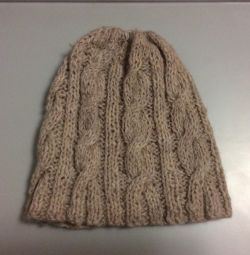 Cap made of natural wool. Exchange.