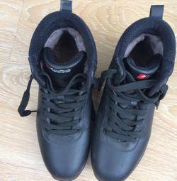 Χειμερινές μπότες για αγόρια