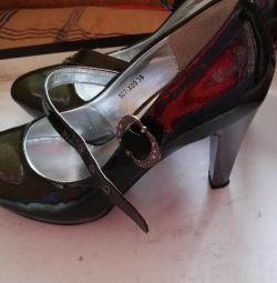 Туфли 37р кожаные.