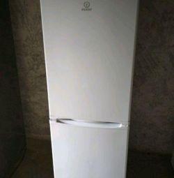 Indesit buzdolabı