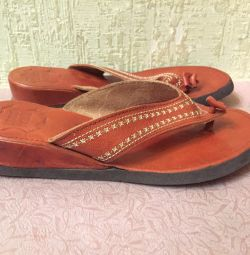 Flip-flops-withers, p.37-36, leather