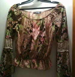 Блуза розмір 42-44