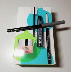 олівець Clinique