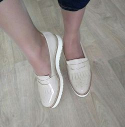Shoes Loafers new 40.5